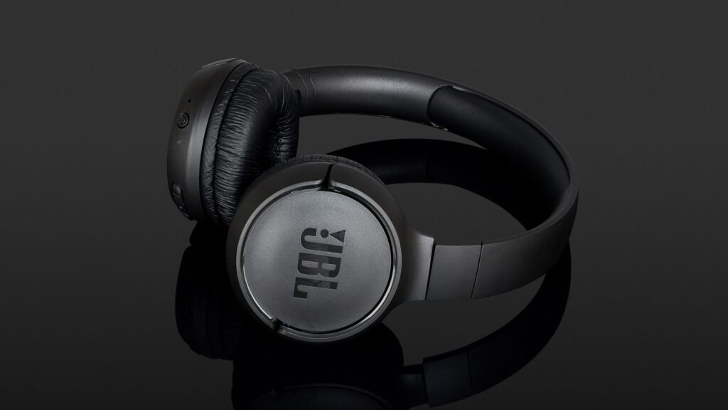JBL Tune 500 BT – попробуйте найти наушники получше